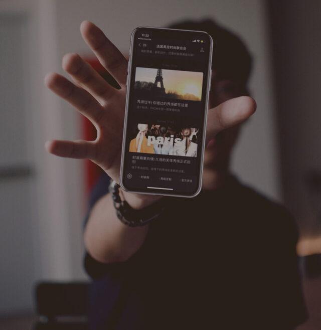 02-SocialMedia